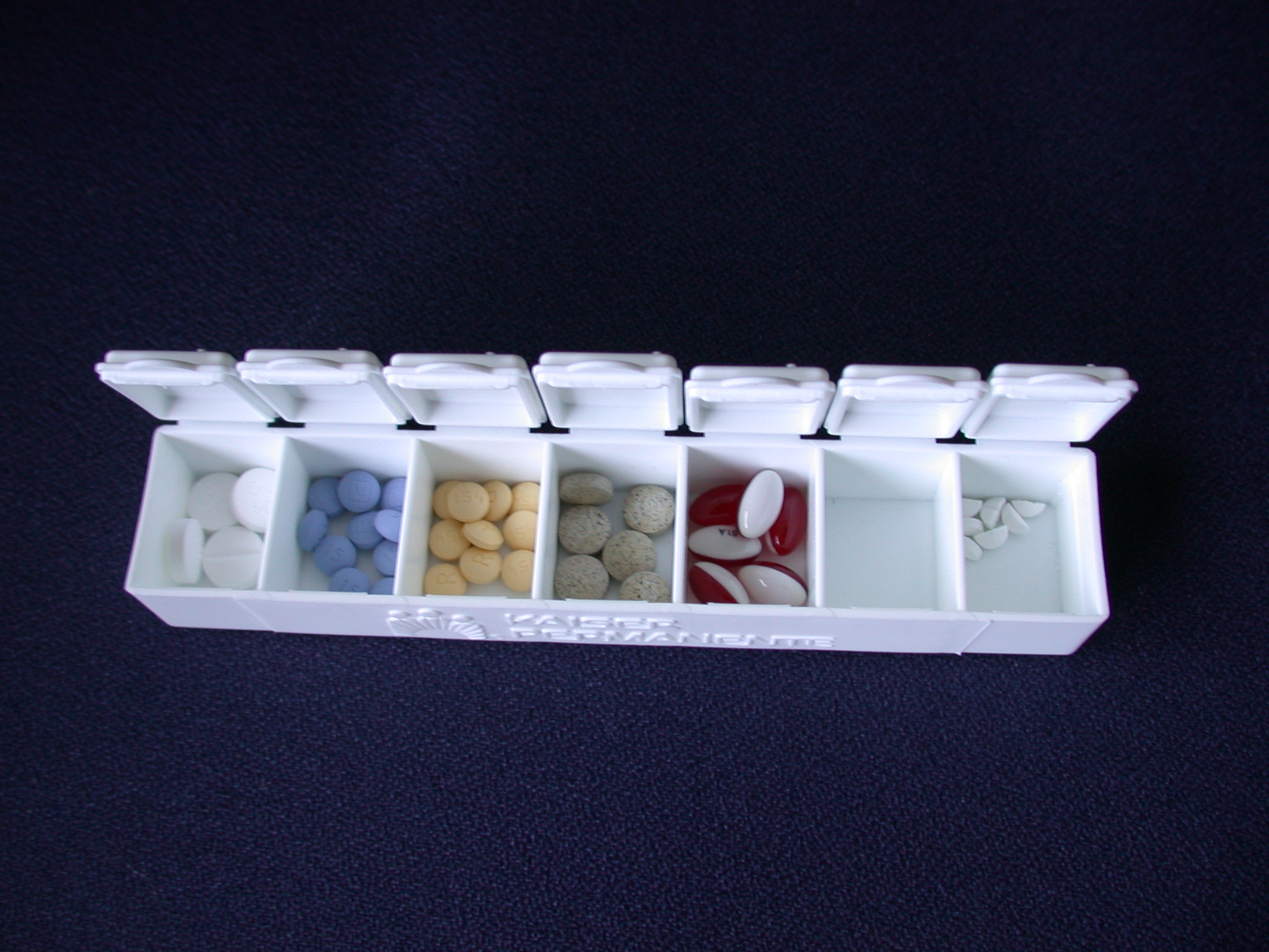 pill_box_with_pills